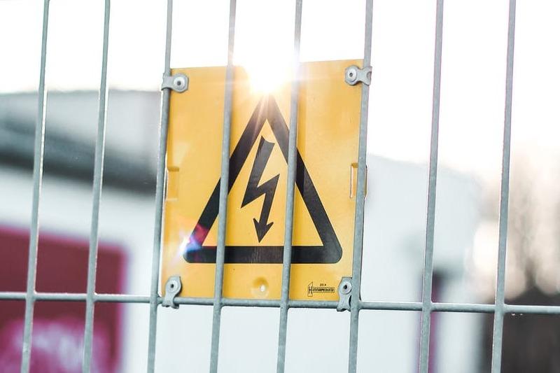 Installation et entretien d'un transformateur électrique à Marseille (13)